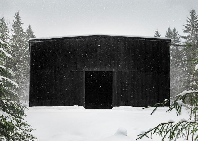 Kyrö Distillery Companyn tynnyrivarasto ulkonäkymä