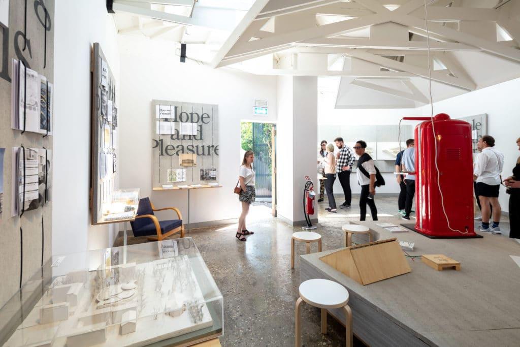 Mind-Building, Suomen paviljongin näyttely Venetsian arkkitehtuuribiennaalissa sisänäkymä
